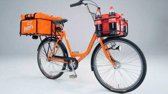 Доставка на багажнике велосипеда