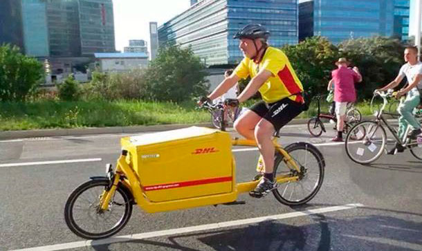 Перевозка крупногабаритного груза на велосипеде